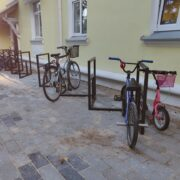 Elenduril jalgrattahoidja Ruutu8 Evely